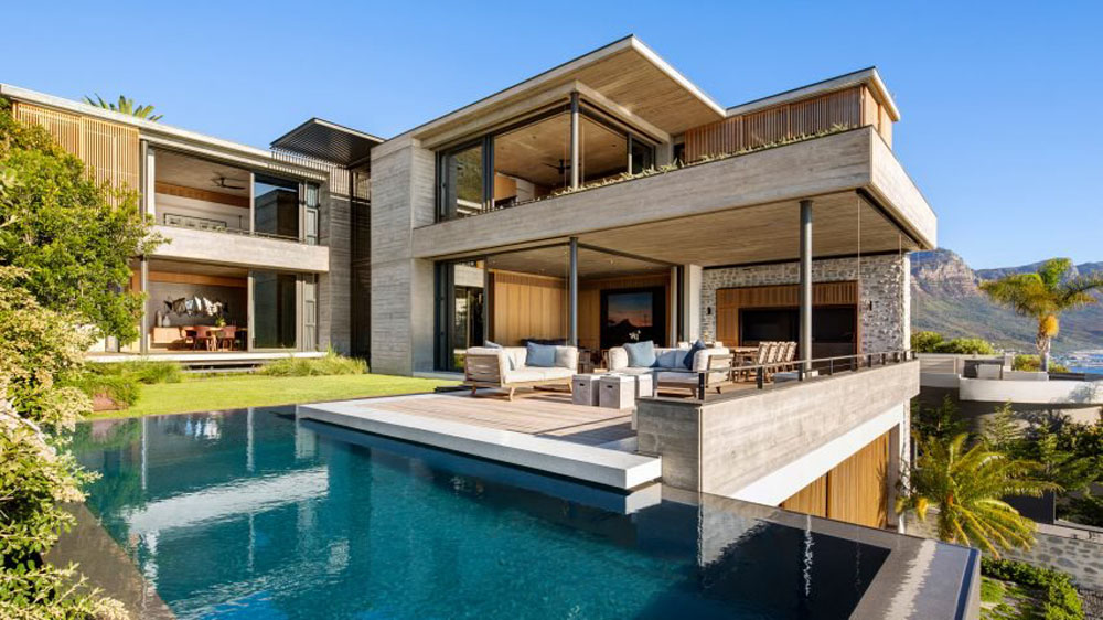 Sea breezes into Malan Vorster's Cape Town house