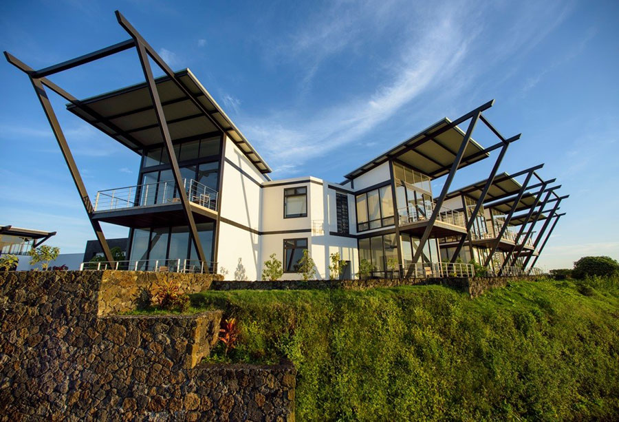 Eco-Friendly Hotels: Galápagos, South Africa, Nicaragua, St. Kitts, Cambodia