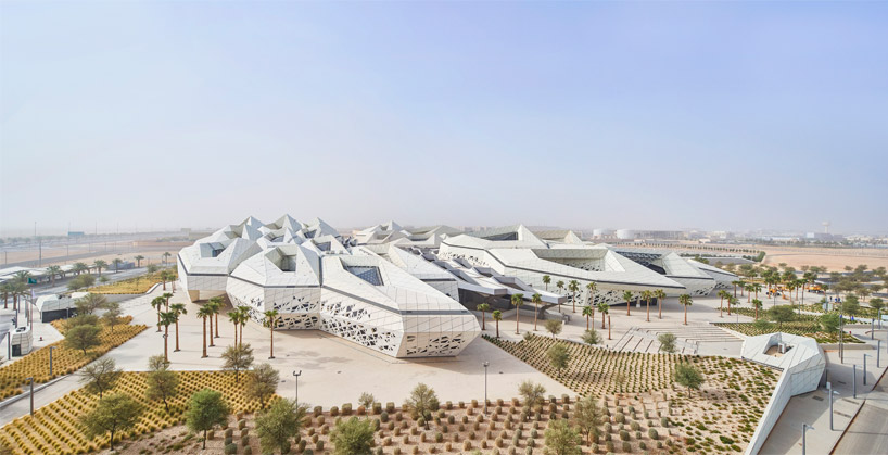 Comprising of five buildings, Zaha Hadid's KAPSARC emerges from the desert landscape as an organic, crystalline-like form defined by hexagonal honeycombs