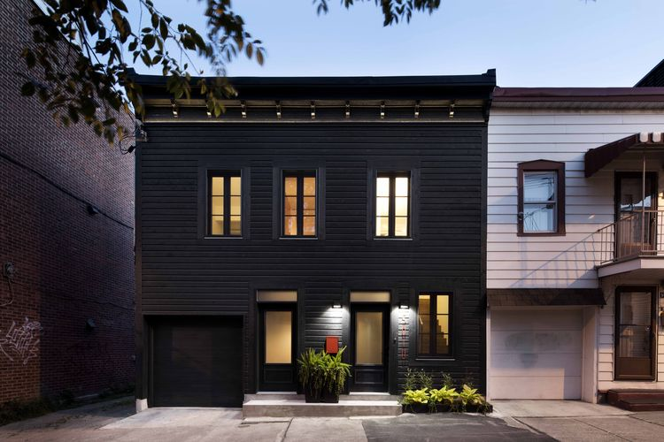 A Monochromatic Renovation for a 19th-Century Montreal Home
