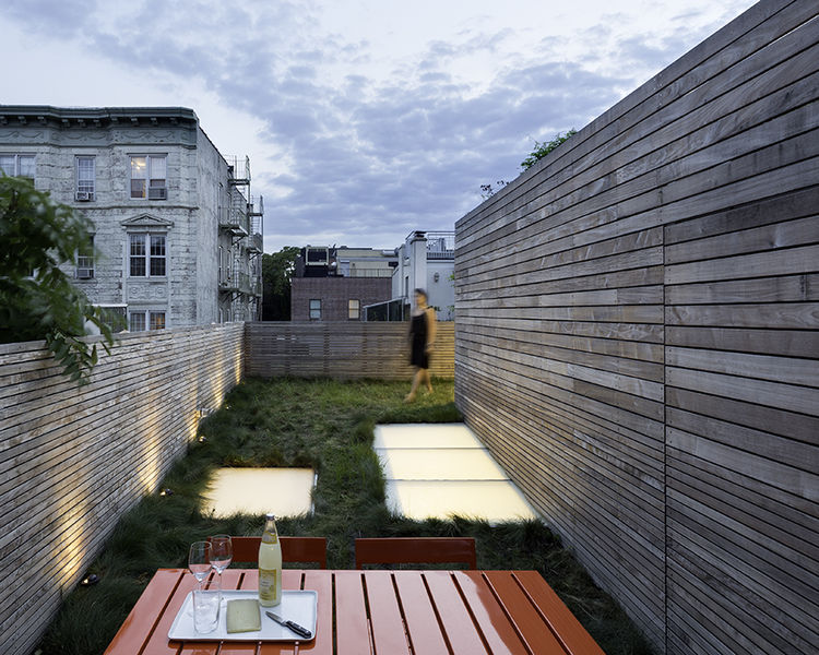 5 Peaceful Roof Hangouts in New York City