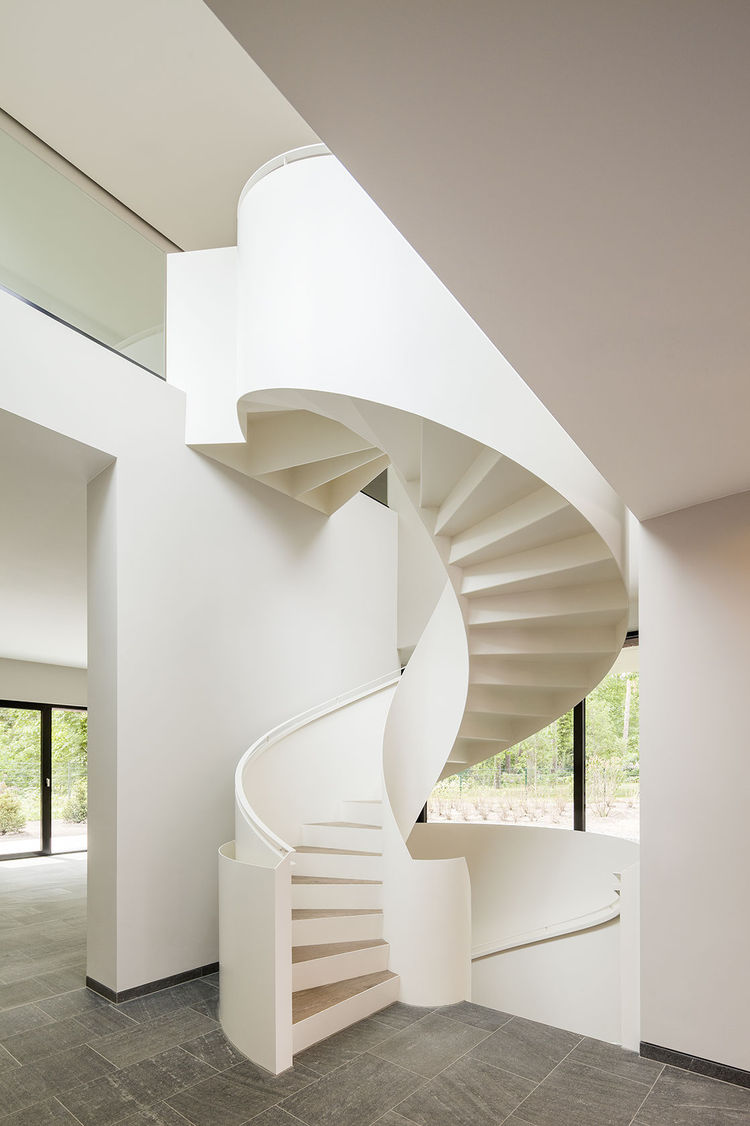 6 Striking Spiral Stairs in Modern Homes
