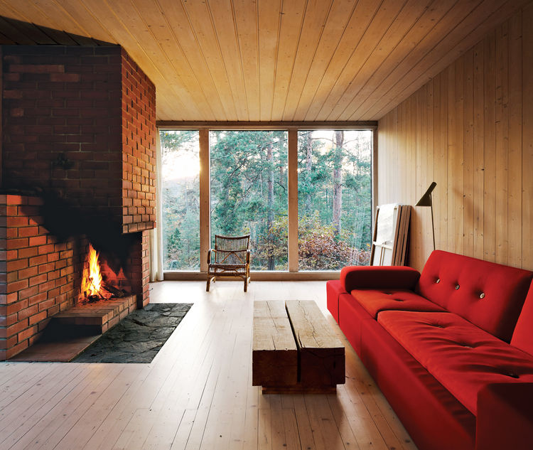 5 Cozy Scandinavian Homes with Wood-Burning Fireplaces and Stoves
