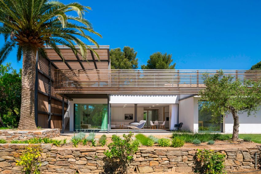 Vincent Coste Architecte Designs a Stunning Villa in Saint-Tropez