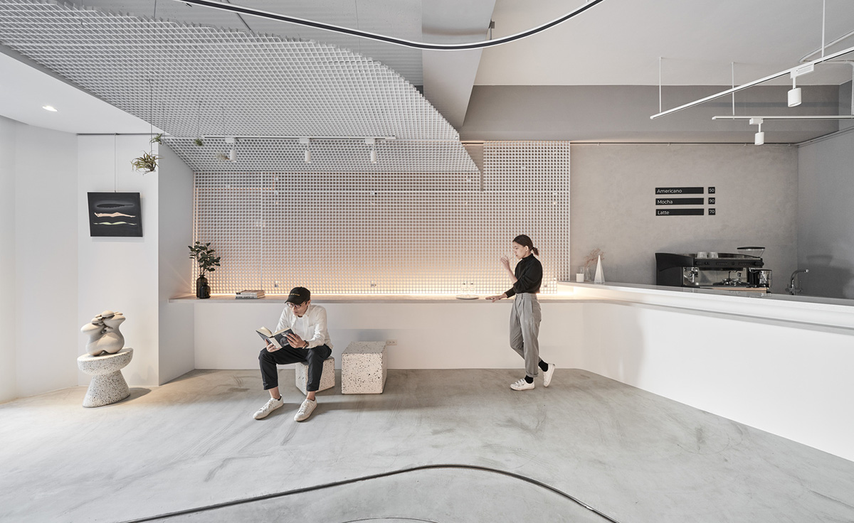 Coffee shop and gallery with curvy elements in Taiwan