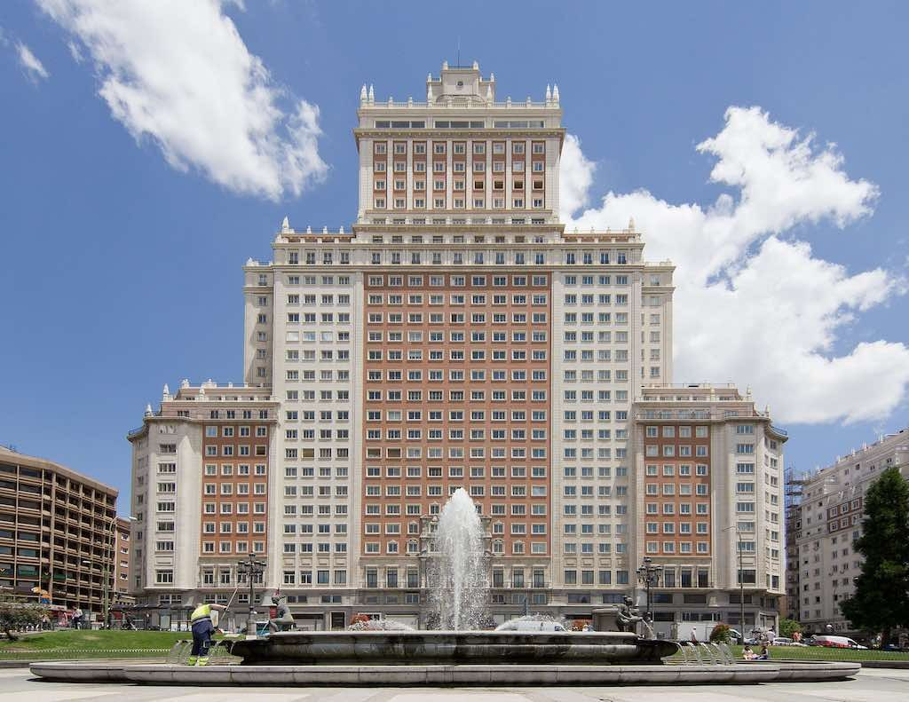 Wanda Group puts Madrid's Edificio España on market