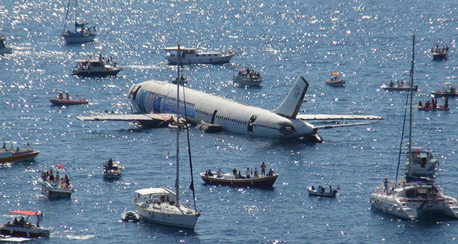 An Airbus A300 was sunk in the Aegean Sea off the coast of the southwestern resort town Kuşadası to serve as an artificial reef and attract tourists as part of a municipal project
