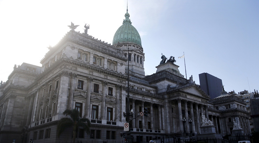Argentina approves deal to end debt standoff with creditors