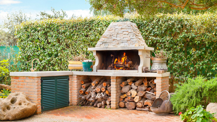 Millennial House Hunters Say Forget the Pool - How About a Backyard Pizza Oven? ​