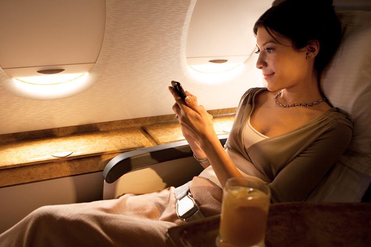 Фото девушек в самолете на аву